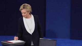 Νέα διαρροή e-mail στενού συνεργάτη της Κλίντον από το WikiLeaks
