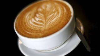 «Μαθήματα» ευγένειας μέσω του... καφέ