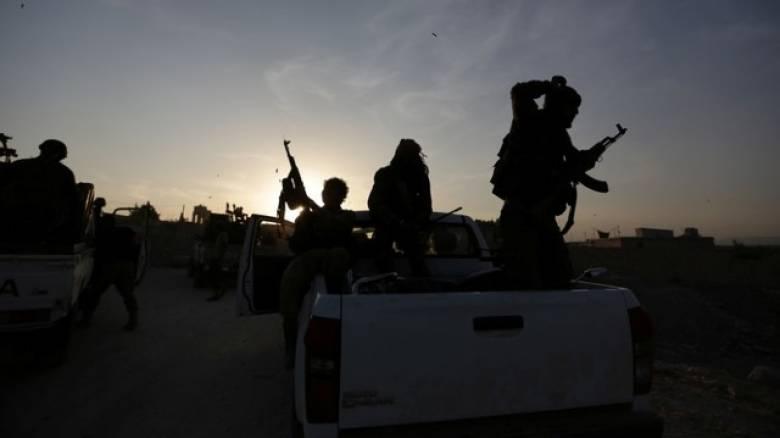 Συνεχίζονται οι επιθέσεις στη Συρία - Δηλώσεις του Φρ. Ολάντ