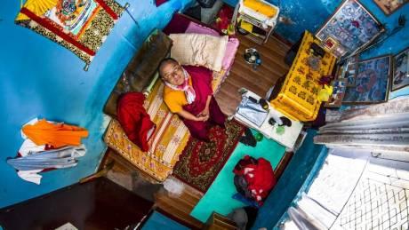 Μέσα στα υπνοδωμάτια των millennials του κόσμου τα όνειρα «μεγαλώνουν»