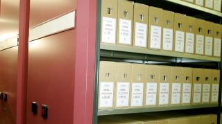 Άνοιξαν για το κοινό οι φάκελοι πολιτικών φρονημάτων