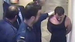 Υπόθεση Καρέλι: Ένοχοι για βασανιστήρια σε βαθμό κακουργήματος οι σωφρονιστικοί υπάλληλοι
