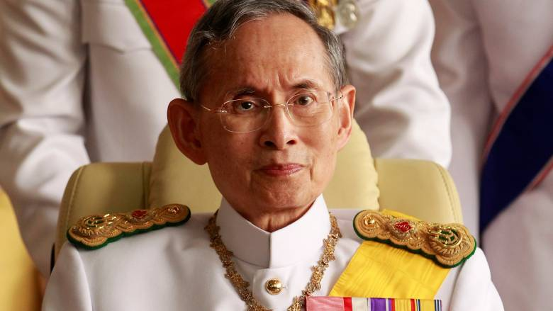 Πέθανε ο βασιλιάς της Ταϊλάνδης και μακροβιότερος μονάρχης στον κόσμο