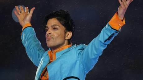 Prince: ο Στίβι Ουόντερ πρωτοστατεί στη μεγάλη συναυλία φόρο τιμής στον πρίγκιπα της νότας