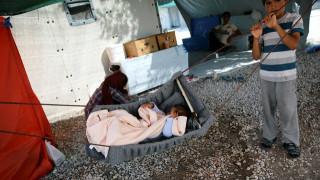 Πρόσφυγες προσπάθησαν να πουλήσουν το μωρό τους στο eBay