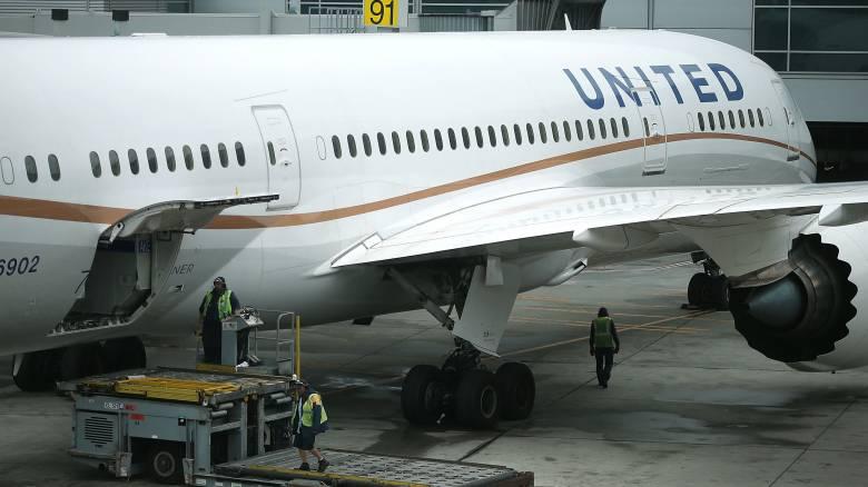 Κατέρρευσαν τα ηλεκτρονικά συστήματα της United Airlines, φόβοι για κυβερνοεπίθεση