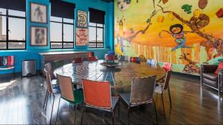 Το CNN μέσα στις art deco κατοικίες του Τζόνι Ντεπ