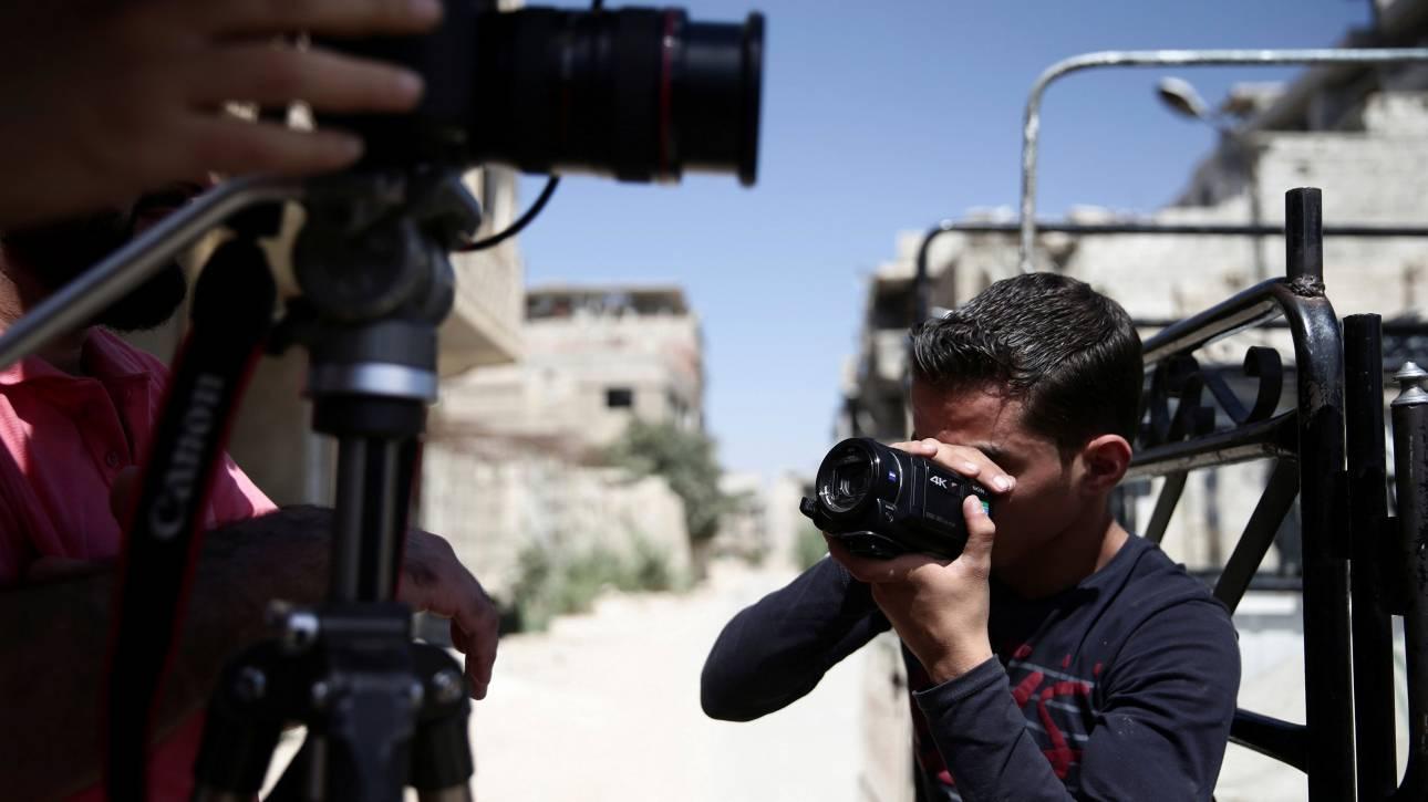 Ρώσος φωτογράφος, όμηρος Σύρων ανταρτών, απελευθερώθηκε μετά από τρία χρόνια