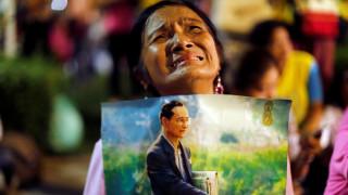 22+1 φωτογραφίες από την Ταϊλάνδη που θρηνεί για το θάνατο του λαοφιλούς βασιλιά Μπουμιμπόλ