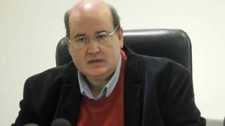 Ν.Φίλης: Ελπίζουμε να μην επιβεβαιωθούν οι φόβοι ότι η ιεραρχία διεκδικεί να εισβάλλει στην πολιτική
