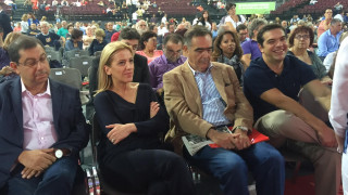 Χαλαρός κι ευδιάθετος ο Α. Τσίπρας στο Συνέδριο του ΣΥΡΙΖΑ (pics)