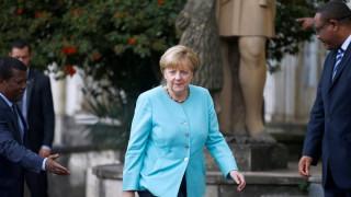 Σημαντική αύξηση των δαπανών για τη γερμανική άμυνα προανήγγειλε η Μέρκελ