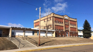 Λειψία: Απειλές για βίαιες επιθέσεις κατά τουλάχιστον εννέα σχολείων