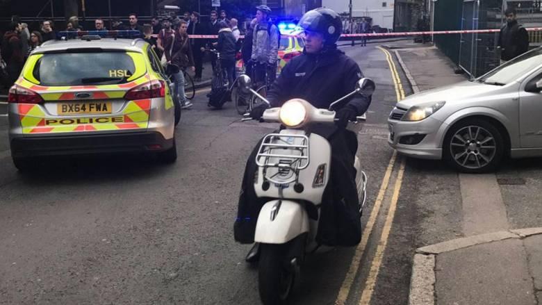 Εκκενώθηκε ο σταθμός του Μετρό London Bridge λόγω ύποπτου οχήματος (aud)