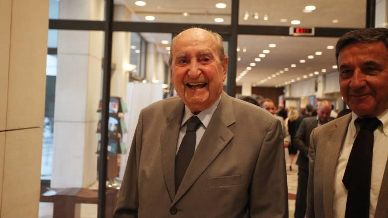 Ο Κωνσταντίνος Μητσοτάκης κλείνει τα 98 - Οι ευχές της κόρης του, Ντόρας (pics)