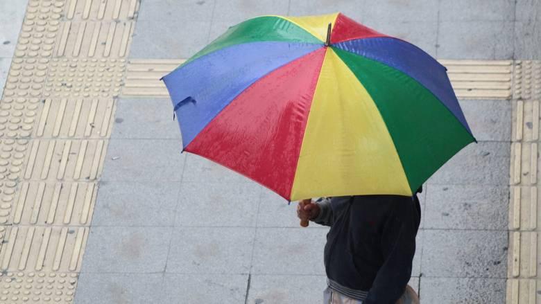 Καιρός: Φθινοπωρινή Τετάρτη με βροχές και καταιγίδες
