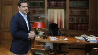 Οι κυβερνητικές επιδιώξεις για το χρέος στο επίκεντρο σύσκεψης στο Μαξίμου