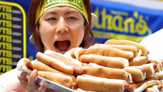 Μαλαισία: ιερή μάχη για το όνομα του... hot dog