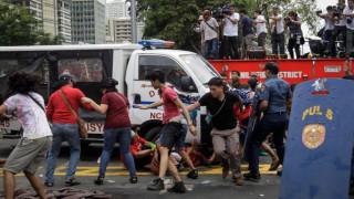 Συγκλονιστικό βίντεο από την άγρια καταστολή διαδήλωσης στις Φιλιππίνες