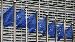 ΕΕ: «Περισσότερες προσπάθειες» για να μειωθούν οι αφίξεις παράτυπων μεταναστών