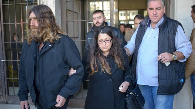 Υπόθεση Γιακουμάκη: Κατέθεσε η μητέρα του στην έναρξη της δίκης