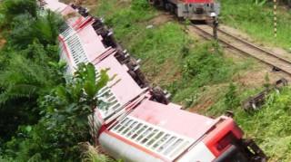 Εκτροχιασμός τρένου στο Καμερούν. Φόβοι για δεκάδες νεκρούς (pic)