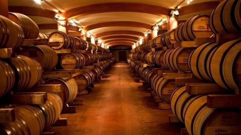 Σε πρωτοφανή κάμψη η παγκόσμια παραγωγή κρασιού