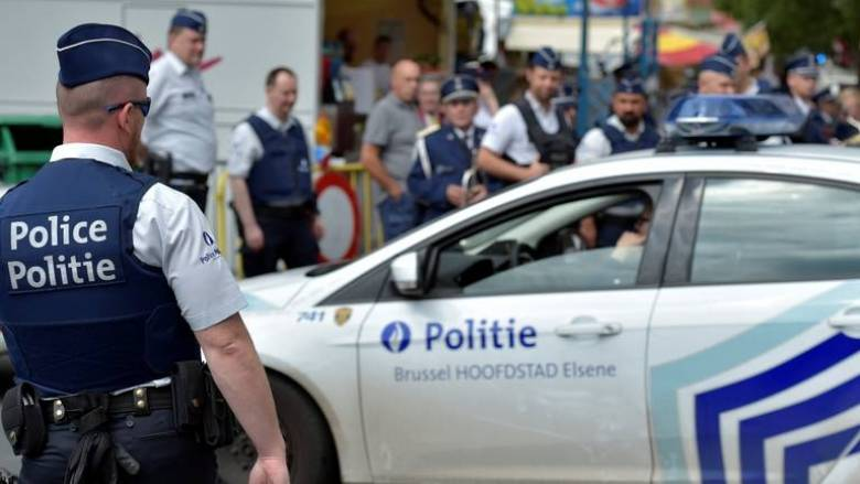 Βέλγιο: Ένοπλοι με καλάσνικοφ εισέβαλαν σε εμπορικό κέντρο