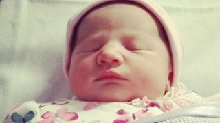 Πιο ασφαλή τα νεογέννητα όταν κοιμούνται μαζί με τους γονείς τους