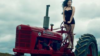 Ρατσίστρια ή όχι, η Μαρίνα Αμπράμοβιτς έμπνευση ζωής για την Άνι Λένοξ στο Vanity Fair Nοεμβρίου