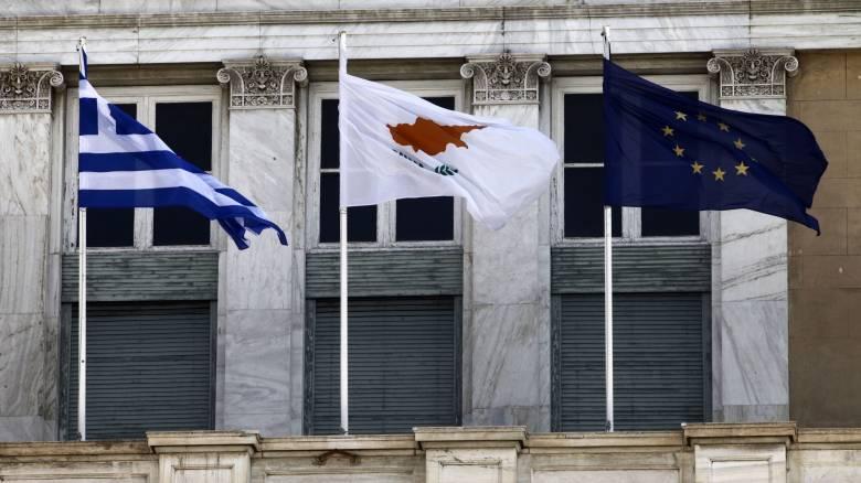 Κύπρος: Ανησυχίες και ενστάσεις από τα πολιτικά κόμματα για τη συζήτηση του εδαφικού εκτός συνόρων