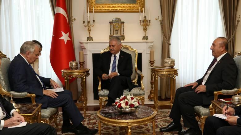Η Άγκυρα απαιτεί την απόσυρση των κουρδικών δυνάμεων από την πόλη Μάνμπιτζ