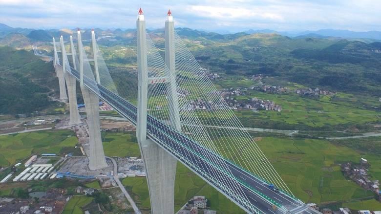 Η εντυπωσιακή γέφυρα στην Κίνα που προκαλεί δέος (pics & vid)