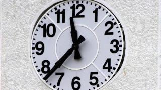 Αλλαγή ώρας: Μία ώρα πίσω τα ρολόγια τα ξημερώματα της Κυριακής