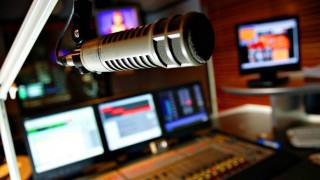 Μόνο 15 ραδιοφωνικές άδειες με απόφαση Σπίρτζη