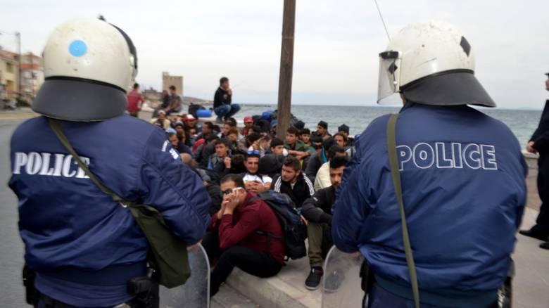 Ένταση στη Μυτιλήνη μεταξύ προσφύγων και αστυνομικών δυνάμεων
