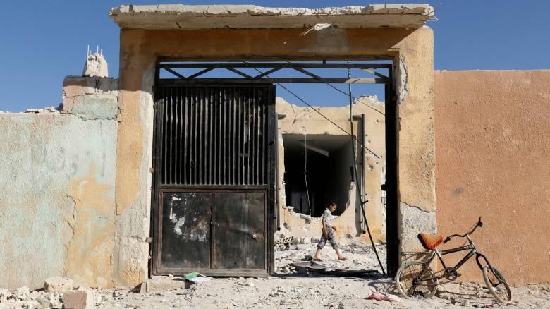 Μόσχα: Ψεύτικες οι φωτογραφίες του βομβαρδισμένου σχολείου στην επαρχία Ιντλίμπ της Συρίας