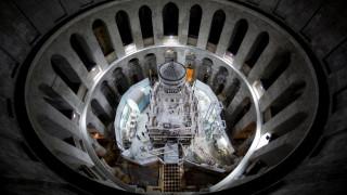 Έλληνες επιστήμονες έφεραν στο φως την ταφική πλάκα του Ιησού (pics)
