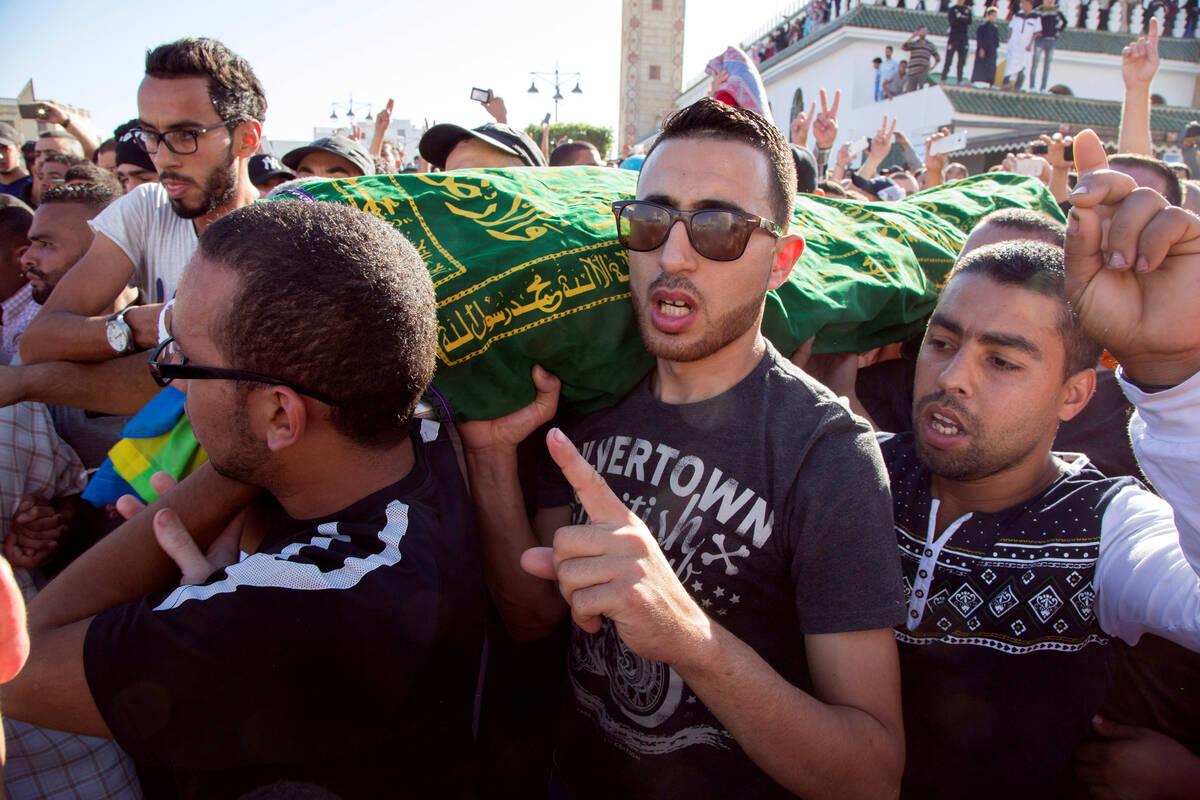 Morocco fishmonger 2016 10 30T200254Z 1741543681 S1BEUJZWDQAA RTRMADP 3 MOROCCO PROTESTS