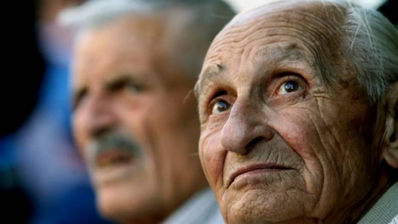 Ελλειμματικά τα ταμεία παρά τις θυσίες των συνταξιούχων