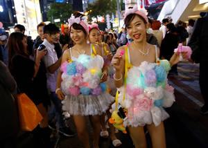 Στην καρδιά του Τόκυο παρέλαση με μεταμφιεσμένους.