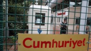 Τζουμχουριέτ: Θα αγωνιστούμε μέχρι τέλους για τη δημοκρατία