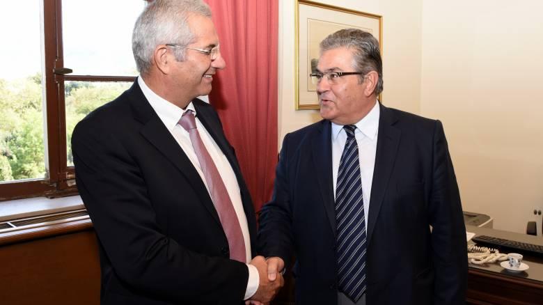 ΑΚΕΛ vs ΚΚΕ για το Κυπριακό