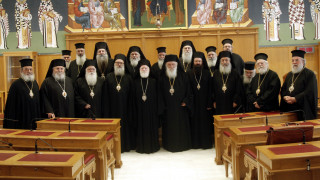 O Αρχιεπίσκοπος Κρήτης συμπορεύεται με τον Ιερώνυμο στον αγώνα για τα θρησκευτικά