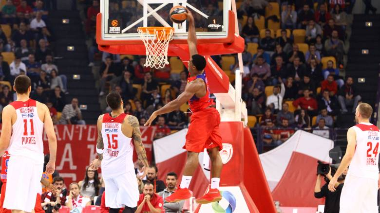 Euroleague: ο Ολυμπιακός έχασε από την ΤΣΣΚΑ Μόσχας στην 5η αγωνιστική
