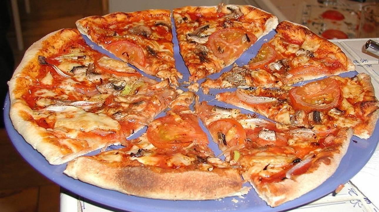 Μετά από πόσο καιρό μπορείτε να φάτε μια πίτσα που περίσσεψε χωρίς να πάθετε τίποτα;