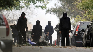 Επίθεση με βόμβες μολότοφ κατά διμοιρίας των ΜΑΤ