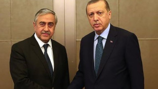 Επιμένουν στις εγγυήσεις της Τουρκίας Ερντογάν και Ακιντζί