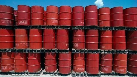 Περικόπτουν δαπάνες οι μεγάλες πετρελαϊκές εταιρείες
