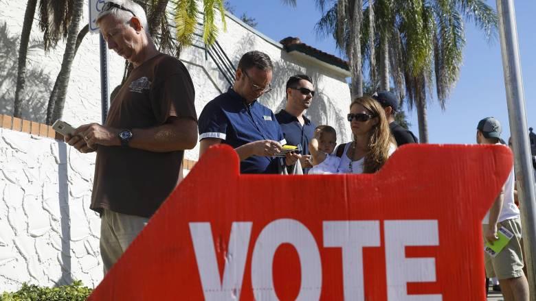 Εκλογές ΗΠΑ 2016: Ουρές έξω από τα εκλογικά κέντρα